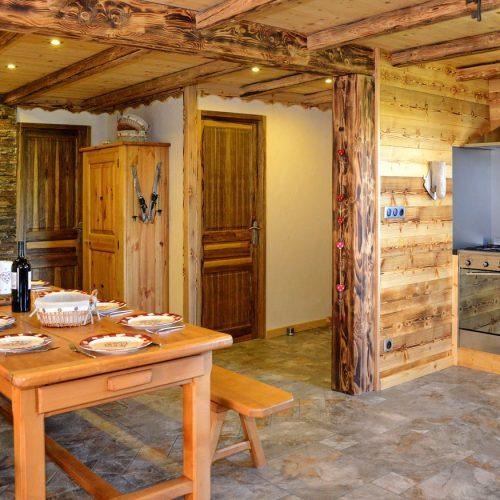 chalet-etoile-du-berger-cuisine-le-corbier-les-sybelles