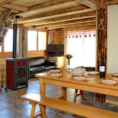 chalet-etoile-du-berger-salon-salle-a-manger-le-corbier-les-sybelles