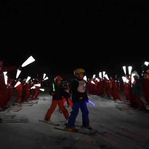 le-corbier-le-sybelles-esf-descente-aux-flambeaux-ski-alpin