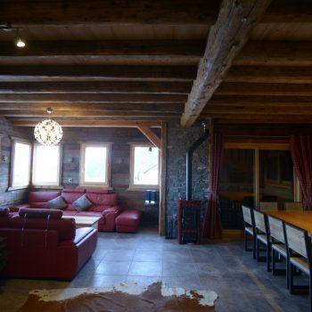 location-chalet-etoile-polaire-salle-a-manger-salon-le-corbier-les-sybelles